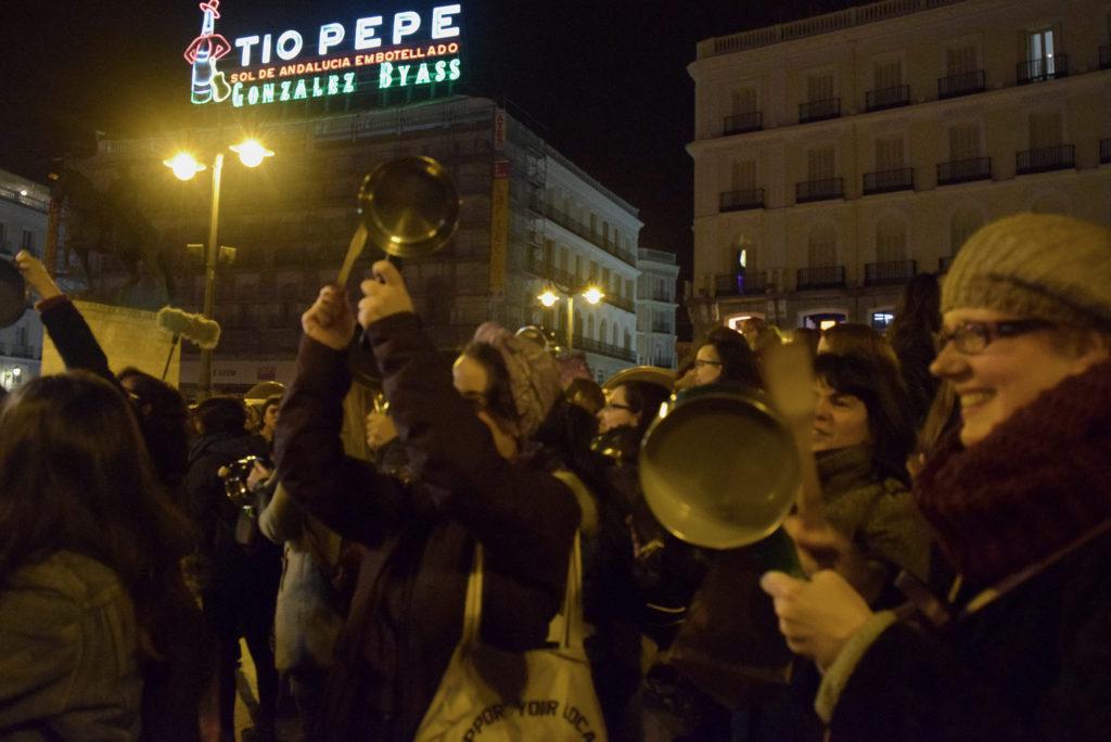 Cacherolada en Puerta del Sol per lo sciopero globale delle donne a Madrid ( marzo 2018